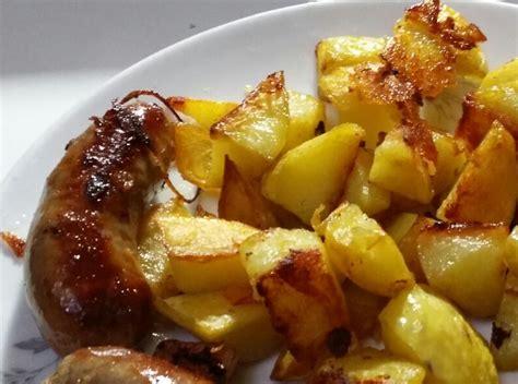 ricette per cucinare le patate salsicce con patate al forno ricetta