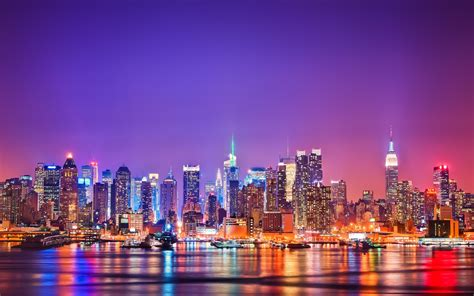 11 beautiful skylines from around the world light up the