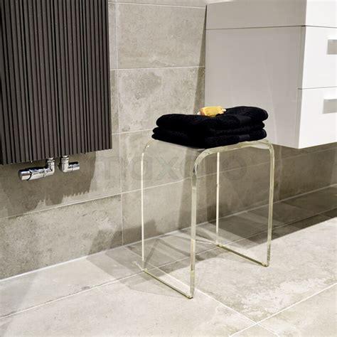 badkamer hout en betonlook betonlook tegels in badkamer met hout uitstraling maxaro