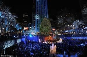 manhattan tree lighting comes to new york rockefeller lights up city