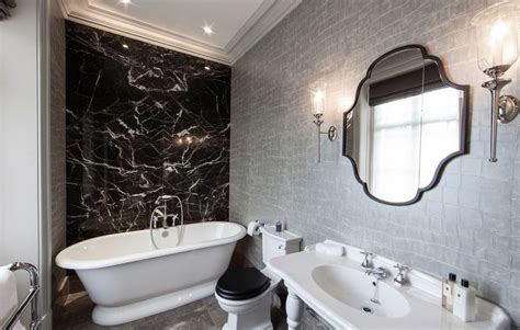 Marble Bathrooms Ideas by Une D 233 Co Plus Glamour Gr 226 Ce Au Marbre Noir Bricobistro