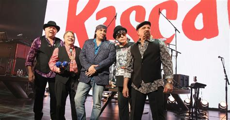 the rascals the rascals reunite on broadway rolling