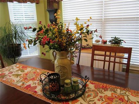 everyday kitchen table centerpiece ideas best everyday centerpiece ideas on pinterest kitchen
