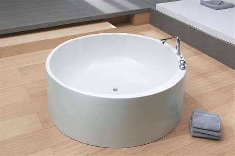Freestanding Bathtubs Canada by Bathroom Safety Tips For Children