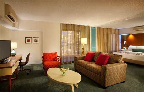 honolulu 2 bedroom hotel suite hotel in honolulu rooms suites waikiki suites