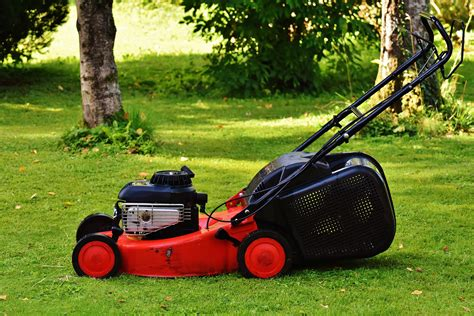 Mesin Potong Rumput Di Padang gambar teknologi halaman rumput padang rumput alat hijau taman berkebun mesin pemotong