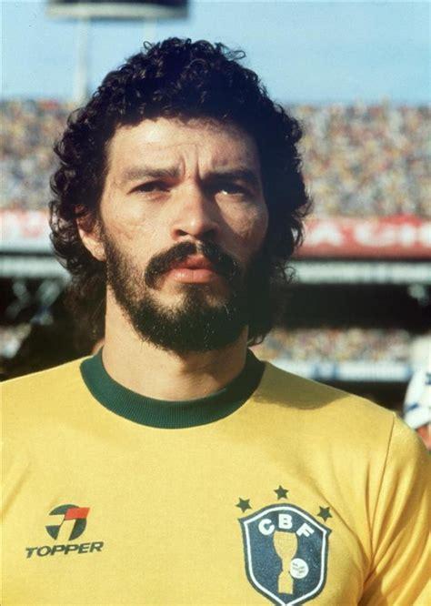 doctor socrates footballer philosopher 1471154076 socrates brazil soccer football voetbal futebol futbol fussball brazil