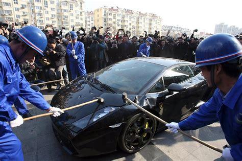 Lamborghini Smash Lamborghini Smashed By Workers Elakiri Community