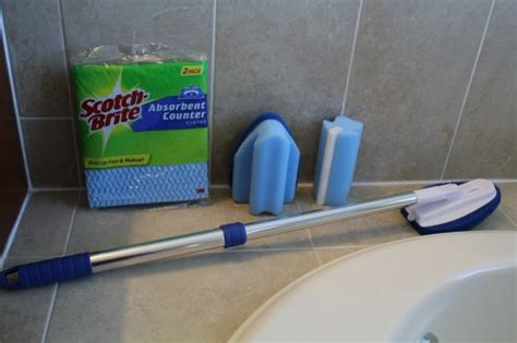 bathtub cleaning tools reusable bathroom cleaning tools from scotch brite review