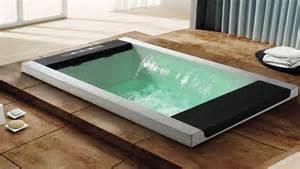 massaggio in vasca vasche idromassaggio il mondo delle piscine