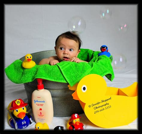 Bathtub For 3 Month Baby by 17 Best Images About Photo Ideas For Sitting Up Crawling