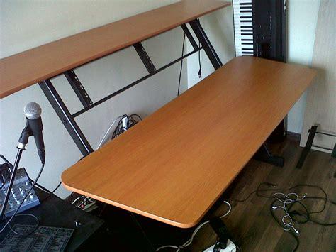 Quiklok Z 600 Image 621155 Audiofanzine Quiklok Studio Desk