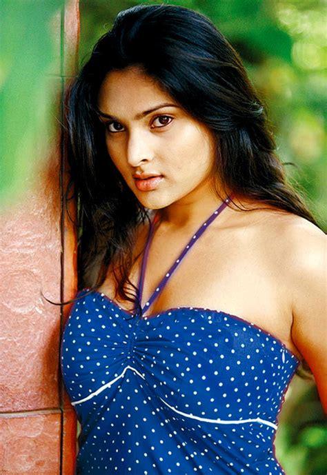 film actress ramya telugu club movie ramya latest pics