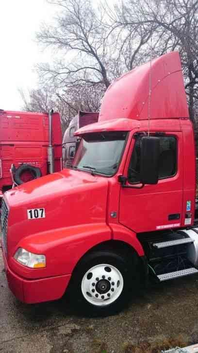 2010 volvo semi truck for volvo 2010 sleeper semi trucks