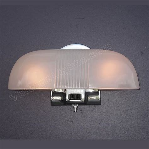 1930s Bathroom Lighting by 157 Best Images About Vintage Bathroom Light Fixtures On