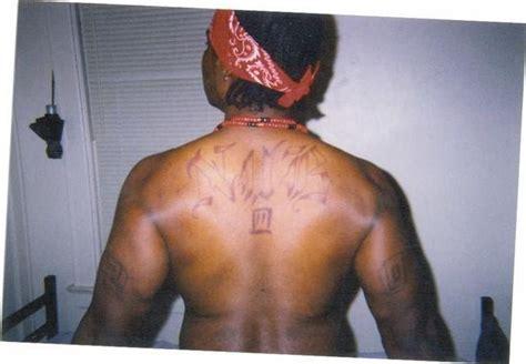bloods tattoo crimeinlosangeles barbershop3315