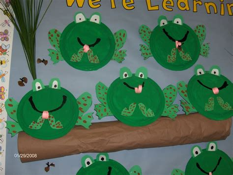 frog pattern for kindergarten kindergarten green frogs pinterest too cute frog