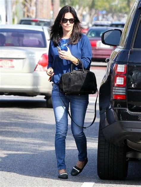 Courteney Coxs Chic Picnic Blanket by 43 Best Land Rover Owners Images On