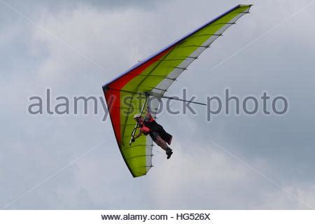 coming in for a landing ten years flying in the islands books flying hang glider stockfoto lizenzfreies bild