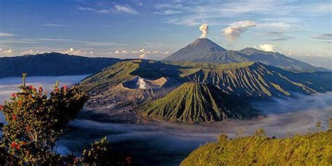 reasons     visit indonesia love respect