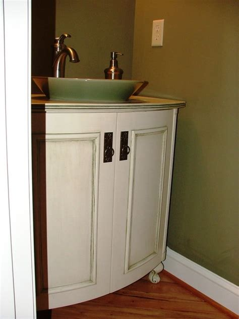 curved front vanity