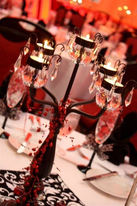 Table Centerpieces   Red, Black and White Wedding Ideas