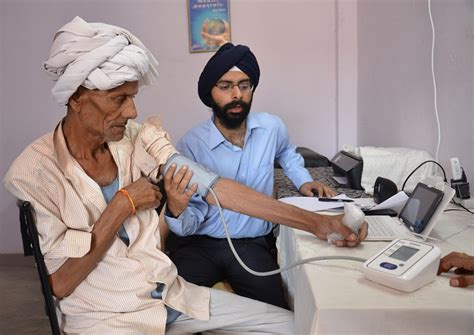Mba For Doctors In India by He Uses Tech To Bring Doctors To India S Remotest Villages