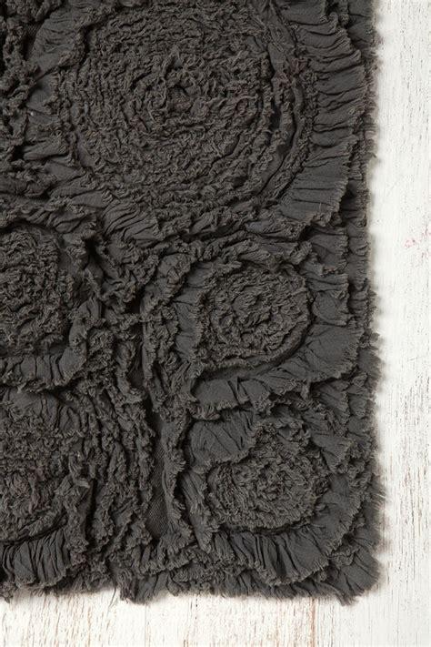 washing bathroom rugs 1000 ideas about bathroom rugs on pinterest kilim rugs