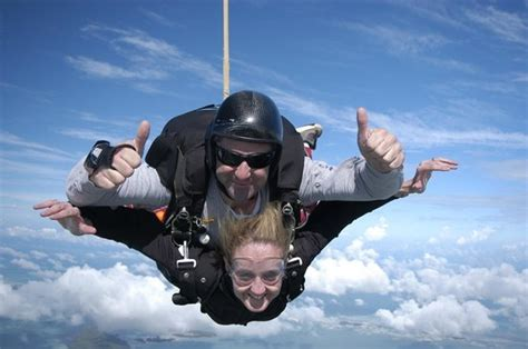 skydiving in cape cod tandem skydiving at skydive barnstable picture of
