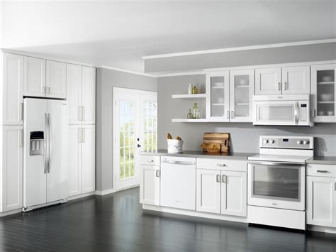 Kitchen Design With White Appliances | white kitchen cabinets with white appliances home