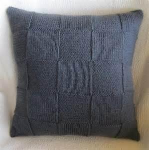Knit pillow patterns make trendy home decor
