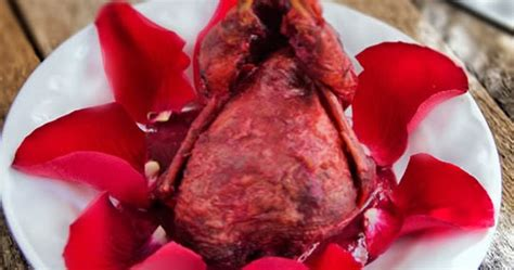 codornices en ptalos de rosas rstica codornices en p 233 talos de rosas r 218 stica