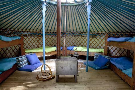 tende yurta yurta con letti e stufa yurt tenda stufa