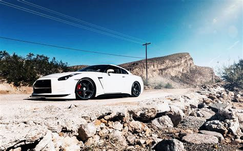 white nissan gtr wallpaper pin white nissan gtr at night 2 on pinterest