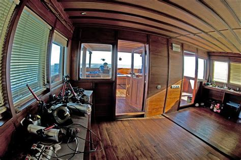 dive boats for sale indonesia m sy aurora live aboard dive boat denpasar liveaboard