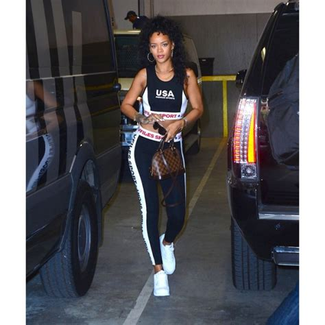 Exercise Wardrobe by Rihanna S Workout Wardrobe Brings 80s Style Back To The