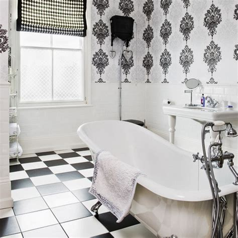 23 glam bathroom decor ideas to swoon over digsdigs 23 traditional black and white bathrooms to inspire digsdigs