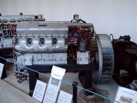 m88 2 engine jpg file t34 engine parola 2 jpg wikimedia commons