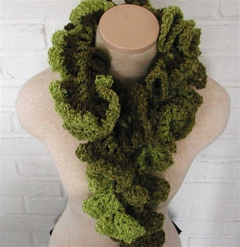 ruffled crochet shrug pattern 63 best images about crochet scarf cowl shrug on pinterest