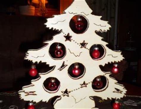 beleuchteter weihnachtsbaum aus pappelsperrholz zum