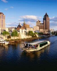 milwaukee river boat rentals milwaukee river cruises and boat tours