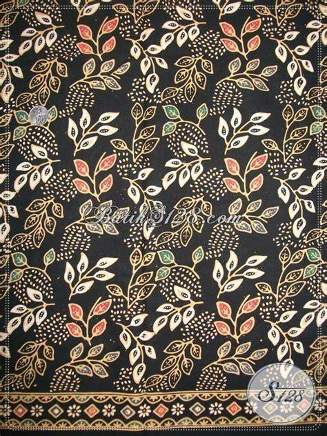 Hitam Motif Warna kain batik warna dasar hitam elegan motif batik dedaunan