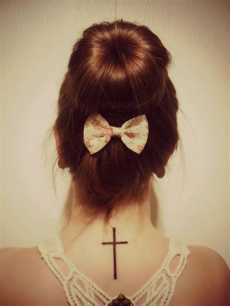 basic girl tattoos best 25 simple cross ideas on cross