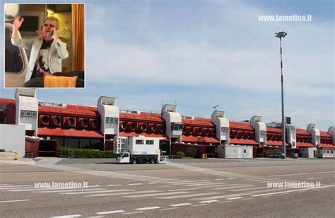 volo roma porto proteste su volo lamezia roma pupo calma passeggeri