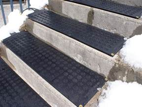 stair outdoor stair design with gray concrete stair combine with black no slip rubber tread mats