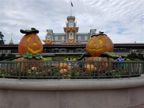 When Do Decorations Go Up At Disney World by How Are Disneyland Decorations Up 28 Images Superb When Do Decorations Go Up At Disneyland