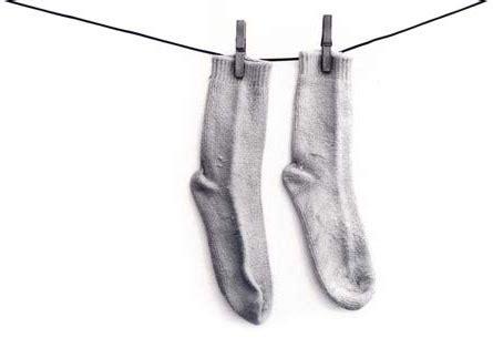 piedi freddi a letto calzini freddi per dimagrire inviaggiocondimaggio