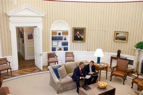 Oval Office Layout File Barack Obama And Jan Favreau In The Oval Office