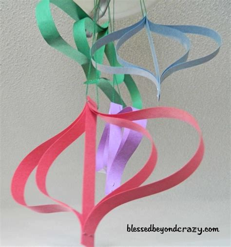 Paper Hanging Crafts - 12 days of crafts for day 9