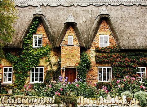 Cottage In by 10 Beautiful Cotswolds Cottages